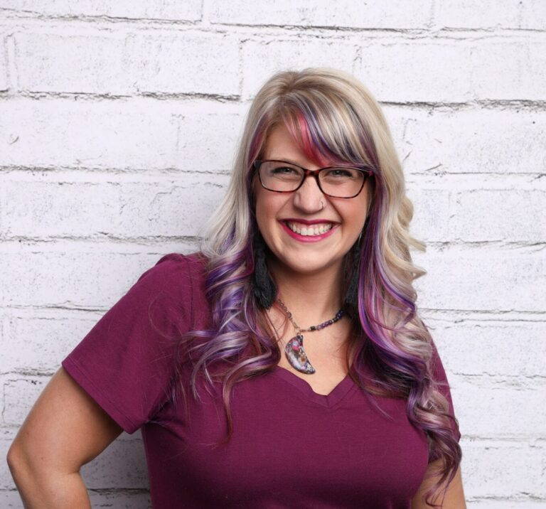 Laura Rike - Wild Business Growth Podcast #149: Pinterest Powerhouse Strategist, Owner of Pintastic